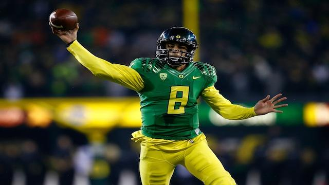 2013 Valero Alamo Bowl: Oregon Ducks vs. Texas Longhorns - Head-to-Head