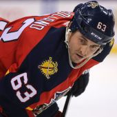 Panthers send Dave Bolland, Lawson Crouse to Coyotes for draft picks