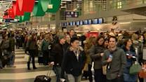Holiday Travel: Thousands of Flights Canceled