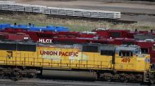 Union Pacific railroad's 1Q profit chugs ahead 9 percent