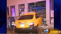 3 hurt as cabs collide in Lincoln Park