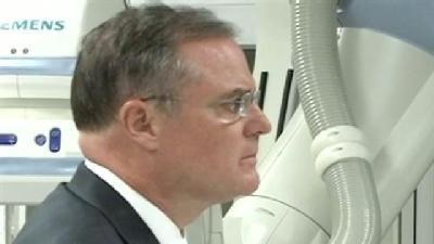 Sen Pryor Views New Equipment at Mercy Medical Center