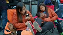 Lines create drama at new iPhone launch